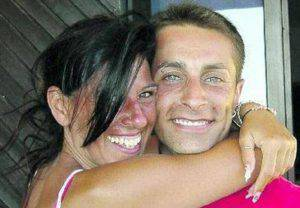 Paola Ferri e il compagno (Facebook)
