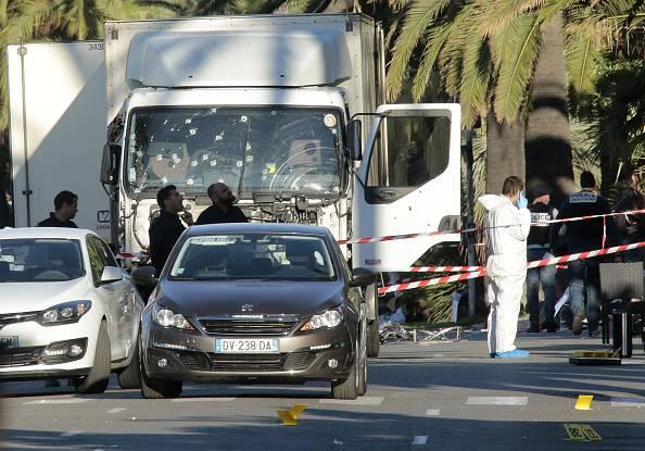 Nizza, ecco chi ha aiutato il terrorista