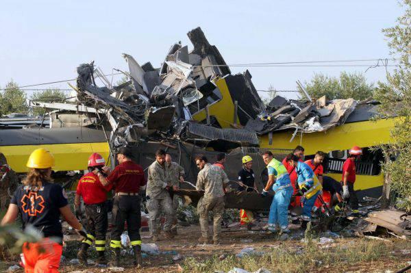 Scontro treni in Puglia, i familiari delle vittime in procura