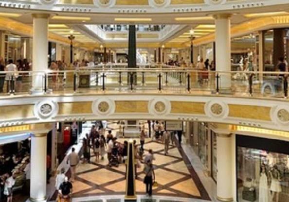 Falso allarme bomba a Euroma2: evacuato il centro commerciale