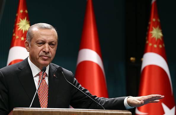 """Erdogan avverte l'Italia: """"I rapporti si possono compromettere"""""""