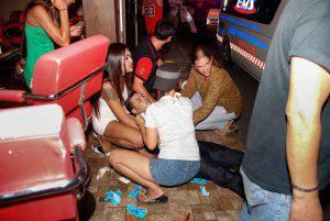 Momenti concitati dopo una delle undici esplosioni (DAILYNEWS/AFP/Getty Images)
