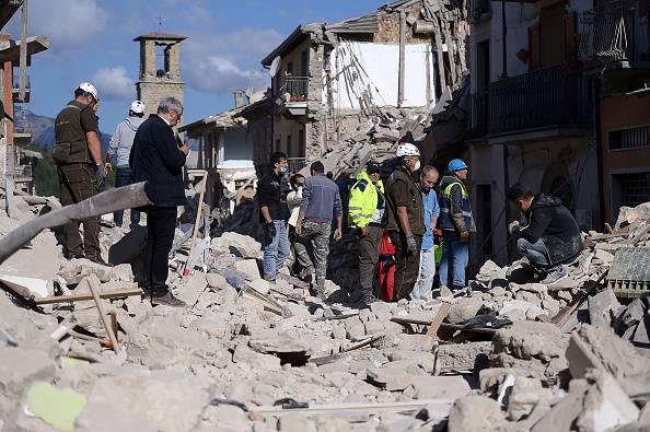 Terremoto Amatrice: Renzi,