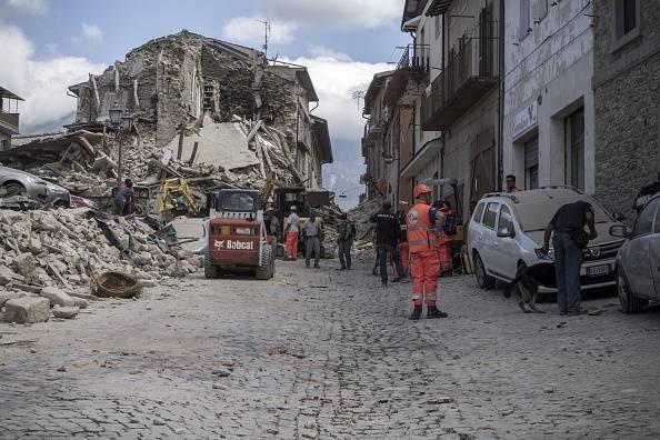 Terremoto: pochi istanti fa nuova scossa nel centro Italia