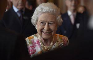 Regina Elisabetta II(HANNAH MCKAY/AFP/Getty Images)