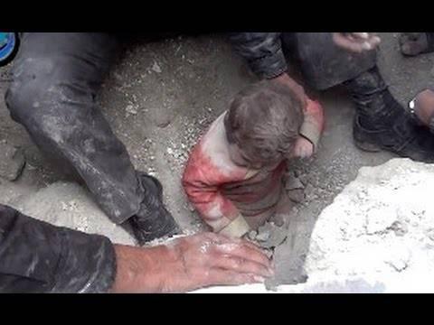 """Terremoto sveglia l'Italia: """"Bambini sotto le macerie"""""""