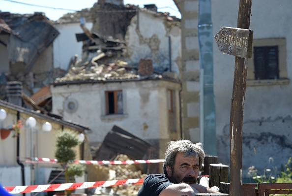 Tra le macerie di Amatrice (ANDREAS SOLARO/AFP/Getty Images)