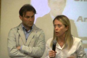 Andrea Putzu e Giorgia Meloni (Youtube)