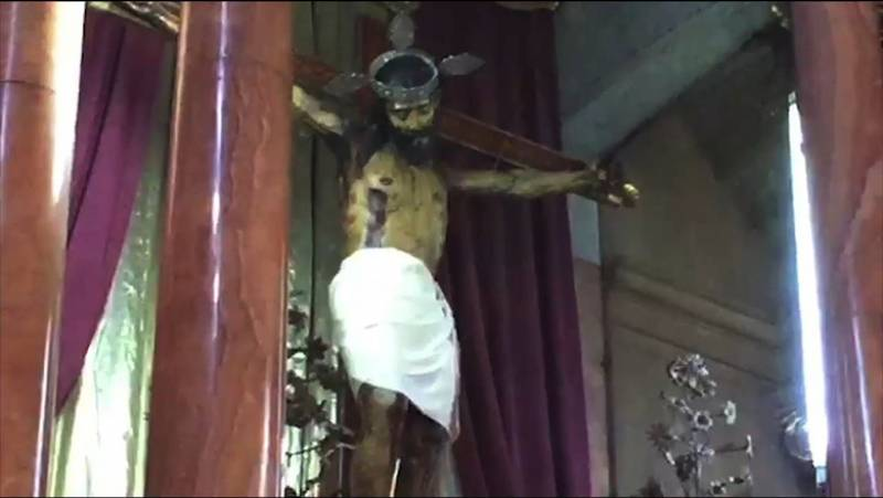 La statua di Gesù apre e chiude gli occhi. Per gli esperti non è un falso -VIDEO