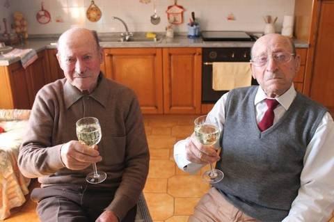 Gino e Innocente, i gemelli di 101 anni: ecco il nostro segreto