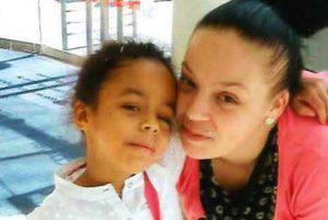La piccola Shanay Walker con la mamma (websource)