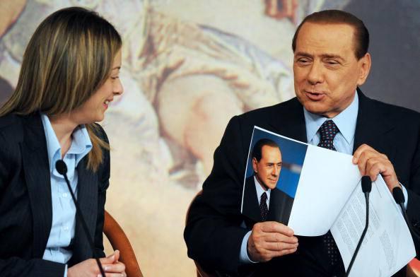 Referendum costituzionale: Berlusconi determinante per Renzi, comunque vada