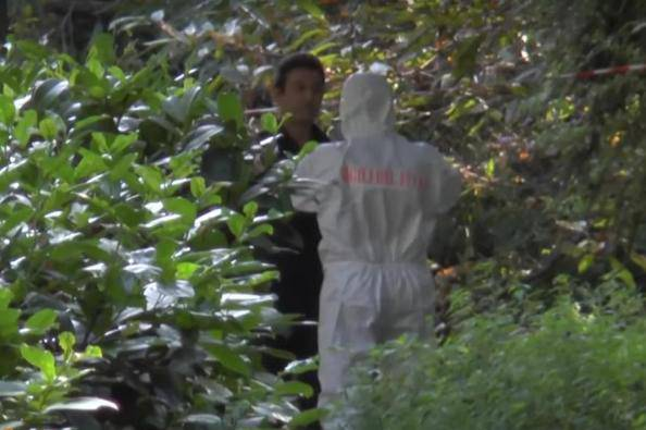 Cadavere nel parco (ritaglio video)
