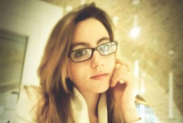Ancona - Cade dal balcone, è giallo sulla morte di una 24enne
