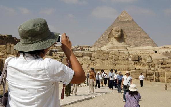 Turisti al Cairo (CRIS BOURONCLE/AFP/Getty Images)