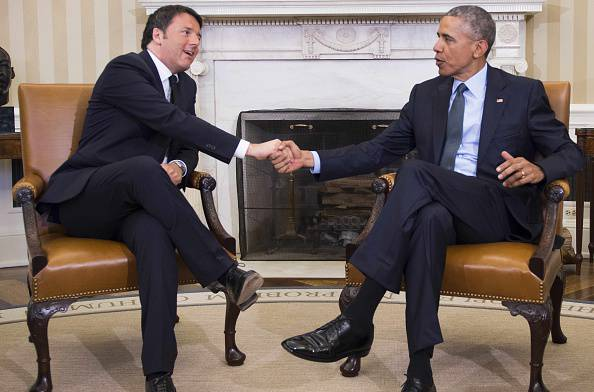 Renzi vola negli Stati Uniti. Cena con Obama e 5 donne…