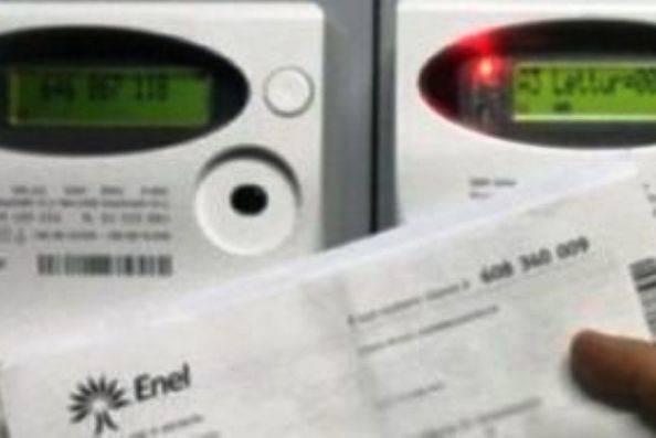 Caro bollette, la spuntano i consumatori: presto arriveranno i rimborsi