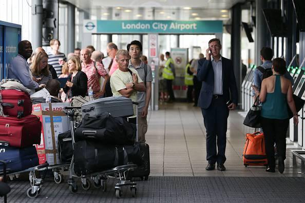 """""""Allarme chimico"""" all'aeroporto: decine i soccorsi"""