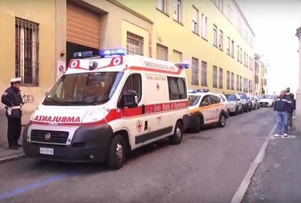 I soccorsi davanti alla scuola (ritaglio video)