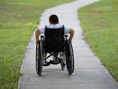 Diventa disabile per le botte prese. Ecco chi è stato