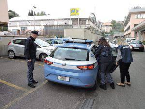 Il momento dell'arresto del giovane rumeno (Websource)