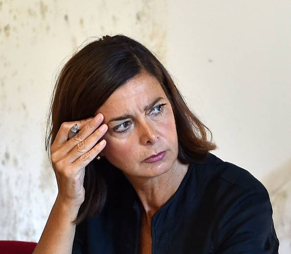 """Sgarbi su Trump: """"Ecco cosa farà la Boldrini…"""""""