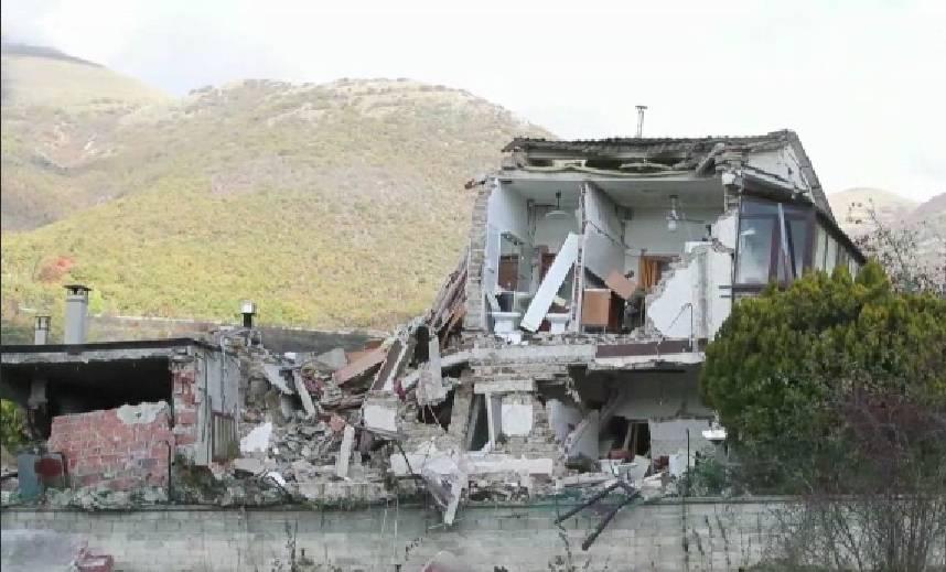 """Terremoto: """"Ecco come internet mi ha salvato"""""""