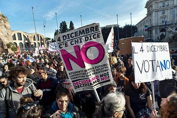 Il fronte del no in piazza (AFP/Getty Images)