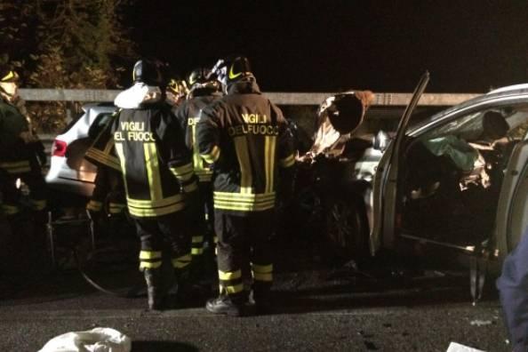 Le due auto dopo lo schianto (foto dal web)
