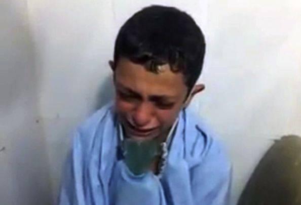 """Il pianto del bimbo siriano: """"Morirò, è vero?"""" –  VIDEO"""