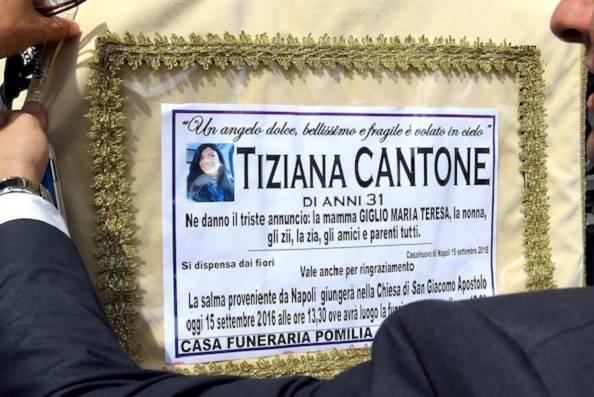 I funerali di Tiziana Cantone (websource)