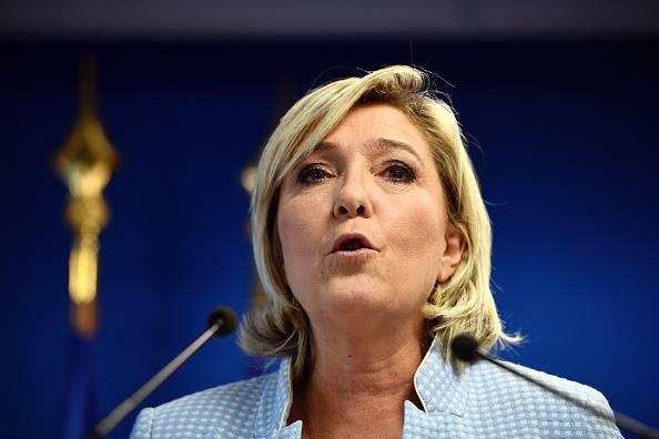 """""""Marine Le Pen è razzista, non intervistatela"""" – VIDEO"""