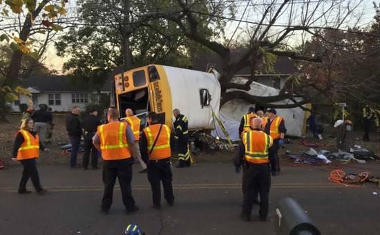 USA, tragedia nel Tennessee: si schianta scuolabus, morti sei bambini