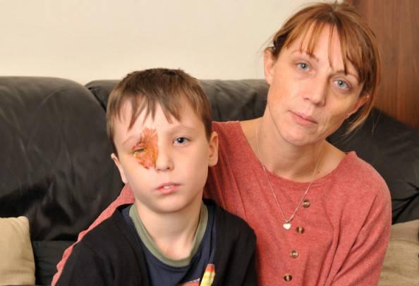 Tyler Norris-Sayers con la sua mamma (foto dal web)