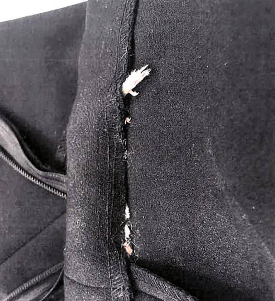 """Zara, """"ho trovato qualcosa di disgustoso cucito nell'abito""""–FOTO"""