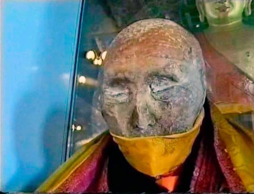"""164 anni e non sentirli: la mummia """"cammina"""" – VIDEO"""