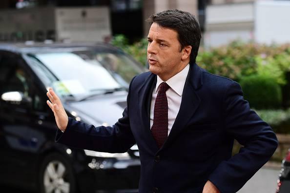 Parla Renzi, la contestatrice viene zittita – VIDEO