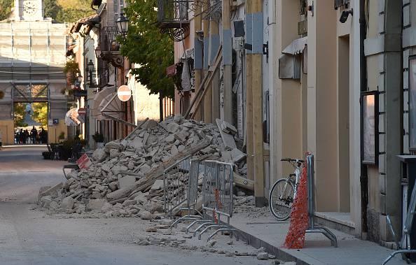Lo sciame sismico si sposta: paura tra la popolazione