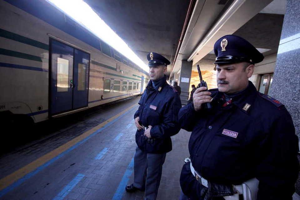 """""""Aiuto, ho freddo"""", ecco cosa fanno i poliziotti"""
