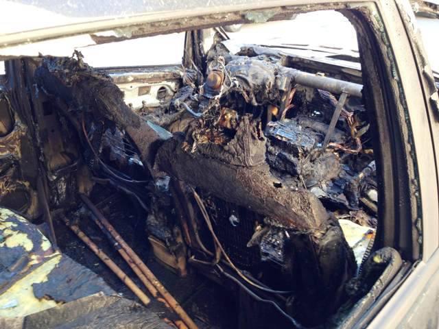 Trovano un corpo in un'auto bruciata, potrebbe essere il suo