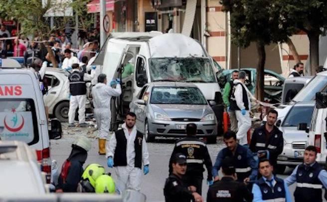Terrorismo: due forti esplosioni nel centro di Istanbul