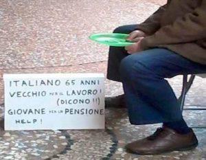 Un italiano chiede l'elemosina (Archivio)