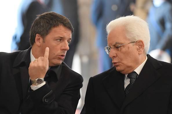 Renzi e Mattarella (TIZIANA FABI/AFP/Getty Images)