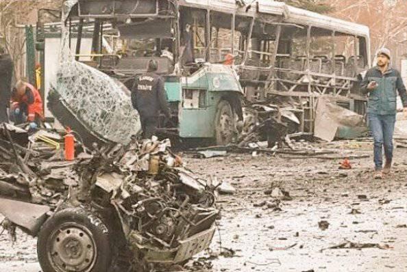 Esplode un autobus: terrorismo, incubo senza fine