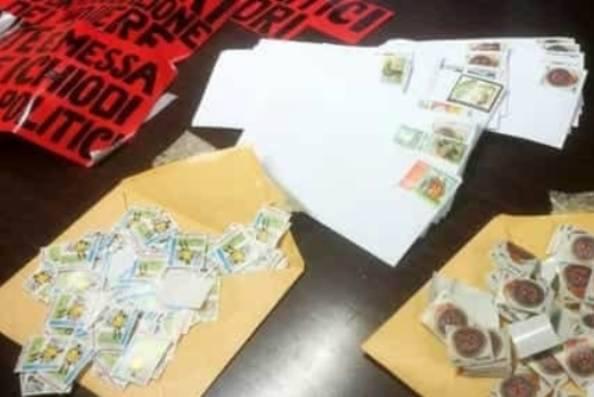Migliaia di lettere minatorie ai vip, due denunciati a Milano