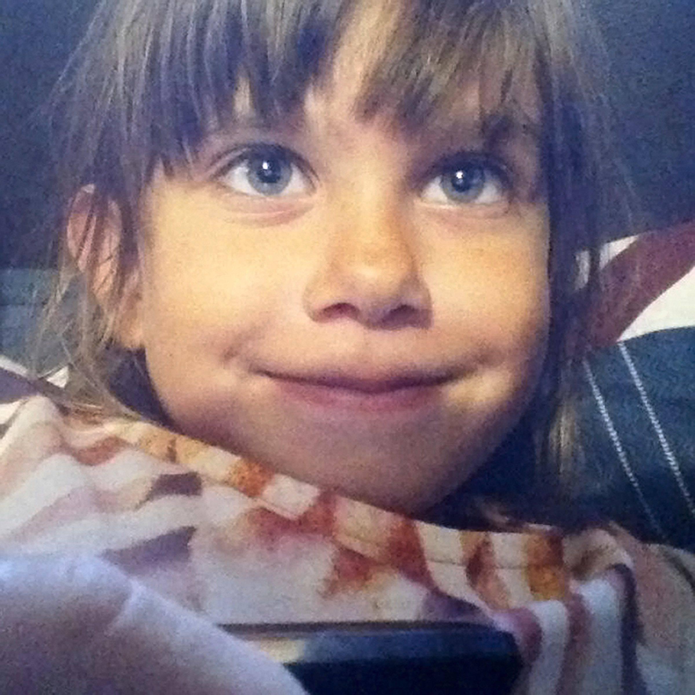 """Bimba di 7 anni uccisa, la polizia: """"Sappiamo chi è stato…"""""""