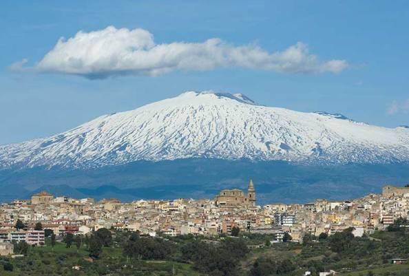 Sciame sismico sull'Etna, arriva un ordine perentorio