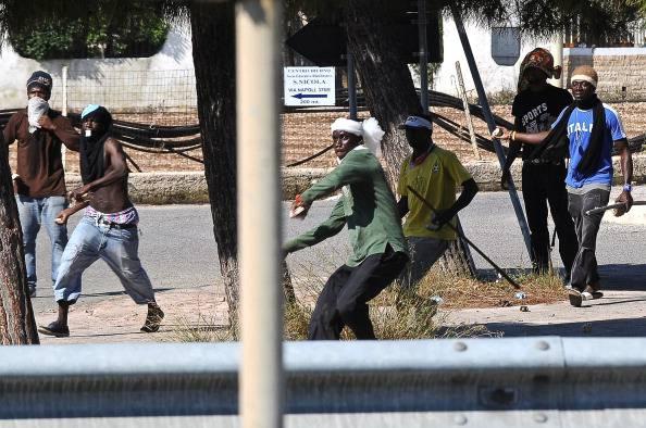 Rivolta Cpa.Liberati operatori bloccati