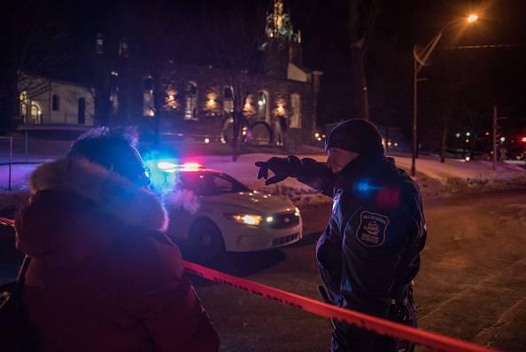 Preghiera in moschea: entrano in due e compiono una strage