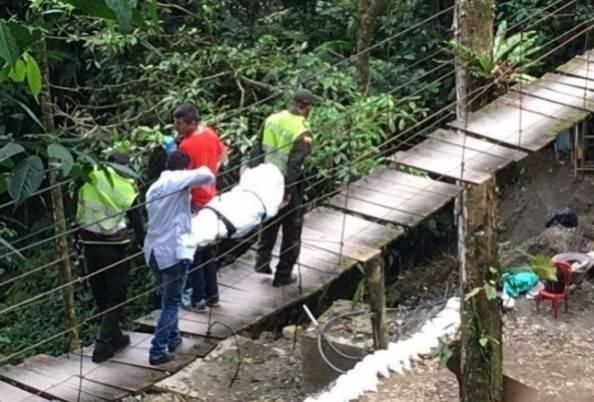 Colombia, cede il ponte sospeso ei turisti precipitano: 11 morti